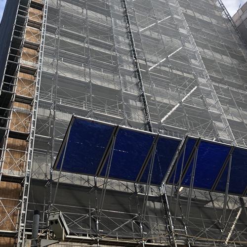 東京都葛飾区金町 某マンション大規模修繕工事 次世代式足場 アルバトロス 部分架け 1400㎡その2